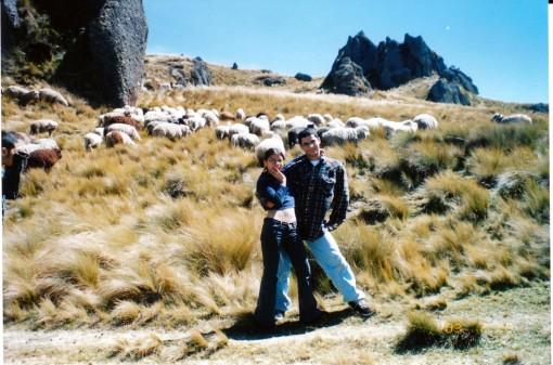 Rocio, Renato y las ovejas
